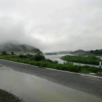 雨の五ヶ瀬川