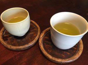 黄亜椰湯呑と白さつま湯呑
